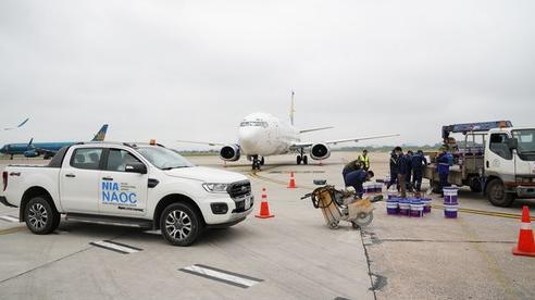 Sân bay Nội Bài gặp sự cố, 8 máy bay sắp hạ cánh phải bay chờ trên trời