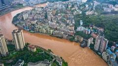 Lũ lụt ở Trung Quốc ngày càng đáng sợ: 12 triệu sinh mạng bị đe dọa, thiệt hại lên đến hơn 82 nghìn tỷ đồng