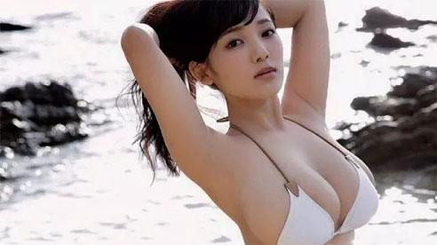 Khoe bộ ảnh quy tụ dàn gái xinh 'ngực khủng' bên suối nước nóng, cô nàng hot girl Nhật bỗng chốc nổi như cồn trên mạng xã hội