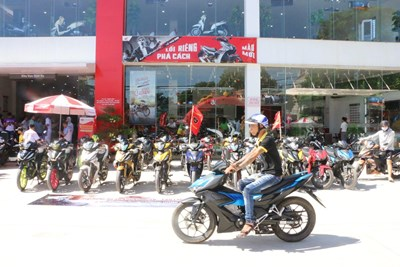 Xe máy côn tay nào đang hấp dẫn giới trẻ Việt Nam?
