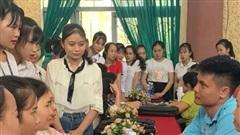 Gần 700 sinh viên Đại học Hà Tĩnh tham gia ngày hội định hướng nghề nghiệp việc làm
