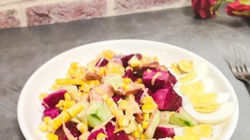 Trong 2 tuần lấy lại dáng chuẩn eo thon với món salad siêu ngon ai cũng làm được!