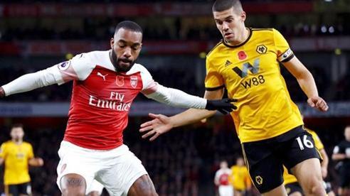 Arsenal bay cao, giúp MU 'cắt đuôi' Wolves