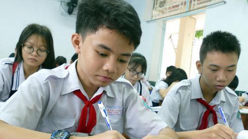 Đáp án đề thi tuyển sinh lớp 6 môn Toán của trường THCS Nguyễn Tất Thành, phụ huynh cho con đối chiếu ngay