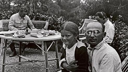 Hai mặt sáng tối của cuộc đời một trùm an ninh Liên Xô