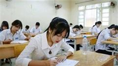 Hàng ngàn học sinh thi lại vì lộ đề Ngữ văn