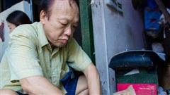 Chuyện về vợ chồng nghệ nhân cuối cùng trên phố Hàng Than còn giữ 'bí kíp' làm mặt nạ giấy bồi