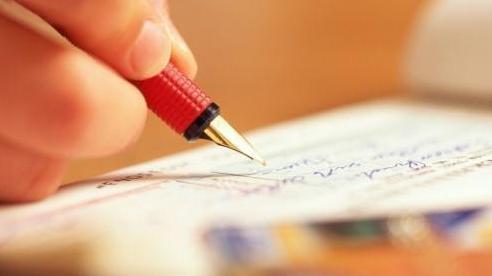 Lá thư con gái nhỏ gửi mẹ đi 'công tác xa' khiến nhiều người dự tòa ứa nước mắt