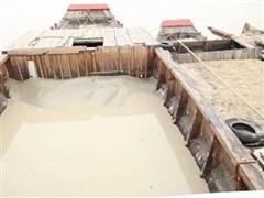 Tạm giữ 11 thuyền khai thác cát trái phép trên sông Đồng Nai