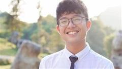 Tít - cậu con trai 15 tuổi của NSND Công Lý ngày càng 'trổ mã', diện áo sơ mi trắng vào cười một phát là ngất ngây