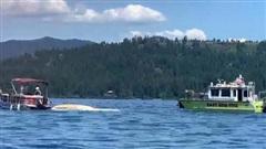 Mỹ: 2 máy bay va chạm rơi xuống hồ, 8 người thiệt mạng