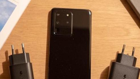 Sau iFan, người hâm mộ Samsung cũng đón tin xấu về Samsung Galaxy S21
