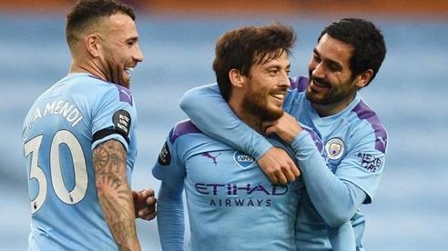 Man City trút giận, nã 5 'trái bom' vào lưới Newcastle