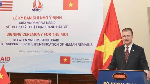 Mỹ hỗ trợ Việt Nam phân tích ADN xác định danh tính hài cốt trong chiến tranh