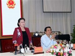 Chủ tịch Quốc hội đề nghị Long An tăng cường thúc đẩy kinh tế vùng