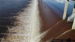 Nguyên nhân nước hồ Ngàn Trươi - Cẩm Trang (Hà Tĩnh) đổi màu bất thường?