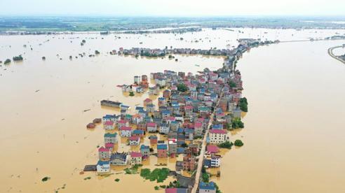Trung Quốc: Cảnh báo hồ nước ngọt lớn nhất nước sắp tràn bờ, người dân lo ngại thảm họa đại hồng thủy 1998 lặp lại