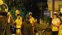 Bắt nhóm quái xế 'đi bão' trên đường Phạm Văn Đồng