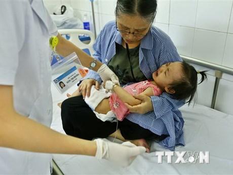Nắng nóng gay gắt kéo dài, trẻ em mắc bệnh về hô hấp tăng cao
