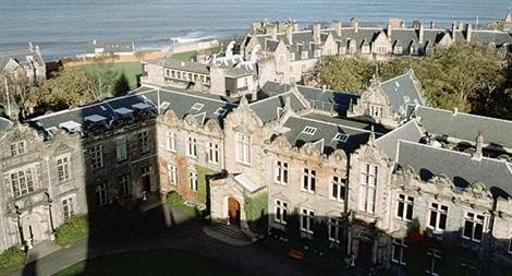 Bê bối tấn công tình dục tại trường đại học bậc nhất gây rúng động nước Anh