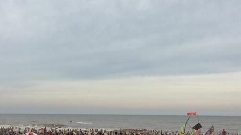 Một du khách Hà Nội và cán bộ biên phòng Thanh Hóa chết đuối ở bãi biển Sầm Sơn