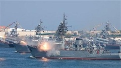 Tàu ngầm Nga tiếp tục làm xấu mặt Hải quân Anh