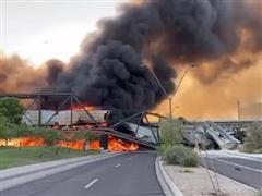 Tàu chở hàng chệch đường ray và bốc cháy nghiêm trọng tại Mỹ