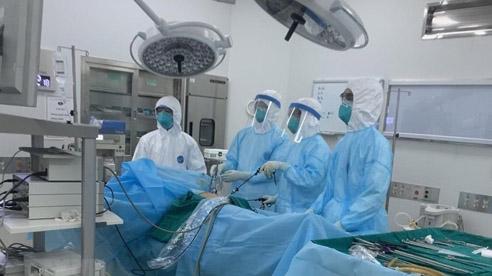 ĐỪNG LỠ ngày 3/8: Đang có 13 bệnh nhân Covid-19 diễn biến nặng, nguy kịch; Chủ tịch Đà Nẵng nghi ngờ còn ổ dịch trong cộng đồng