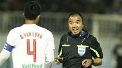 [Hồi ức] Trọng tài FIFA khiến sếp HAGL 'nổi điên', CĐV tức giận chửi bới, ném chai lọ
