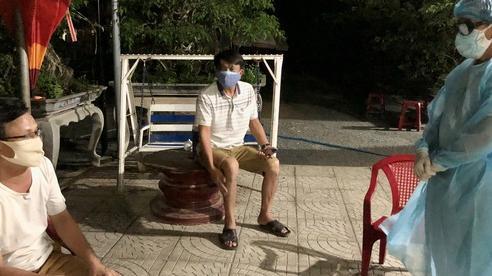 2 bệnh nhân ở Quảng Ngãi tiếp xúc hàng trăm người trước khi mắc Covid-19