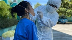 Bệnh nhân 852 là bác sỹ từng tiếp xúc với 4 ca Covid-19, bệnh nhân 848 là F1 của con dâu và cháu nội