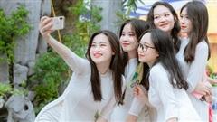 Lớp học Hà Nội gây choáng với 5 thủ khoa tốt nghiệp, điểm Văn cả lớp toàn trên 9