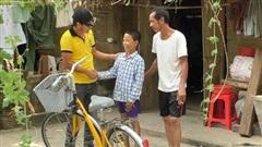 Xin xe đạp cũ - tặng lại cho người cần: Dự án hồi sinh xe giúp trẻ em nghèo của quản lý khách sạn