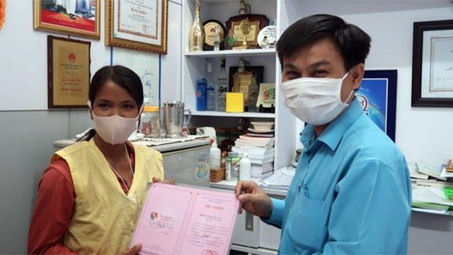 Được giúp đỡ 800 triệu, vợ nạn nhân bị rắn hổ mang chúa 4,6kg ở núi Bà Đen cắn nói lời rút ruột rút gan!