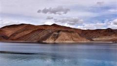 Nguồn tin Ấn Độ: Lính TQ định vượt biên giới bằng thuyền máy, thấy lính Ấn Độ bèn 'quay đầu chạy về bờ'