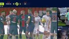 Bị phát hiện đòn đánh lén hiểm hóc, Neymar cúi mặt rời sân sau cuộc hỗn chiến 5 thẻ đỏ
