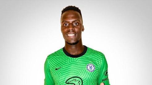 Chelsea công bố thủ môn mới, Kepa bị tống lên ghế dự bị