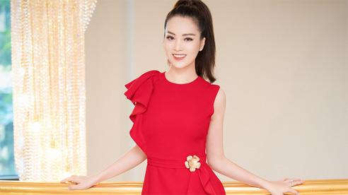 Á hậu Thụy Vân đẹp nổi bật, ngồi 'ghế nóng' Hoa hậu Việt Nam