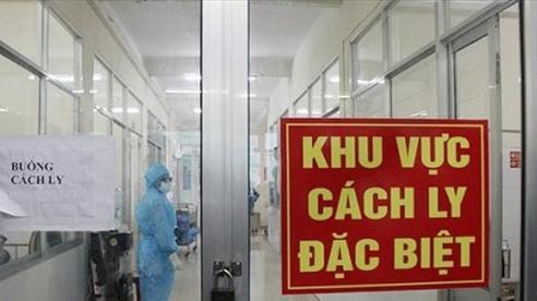Bé trai 7 tháng tuổi cùng 7 người nhập cảnh khác mắc COVID-19, Việt Nam có 1.134 bệnh nhân