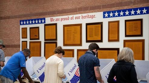 Bầu cử tổng thống Mỹ 2020: Số lượng cử tri đi bỏ phiếu sớm cao kỷ lục