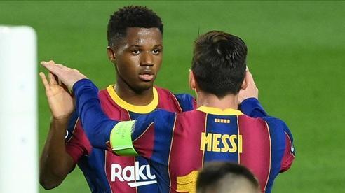 Ansu Fati hét lương khủng để ở lại Barca