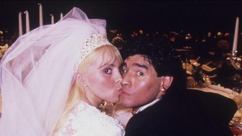 Chuyện tình Maradona, lãng mạn và dối lừa