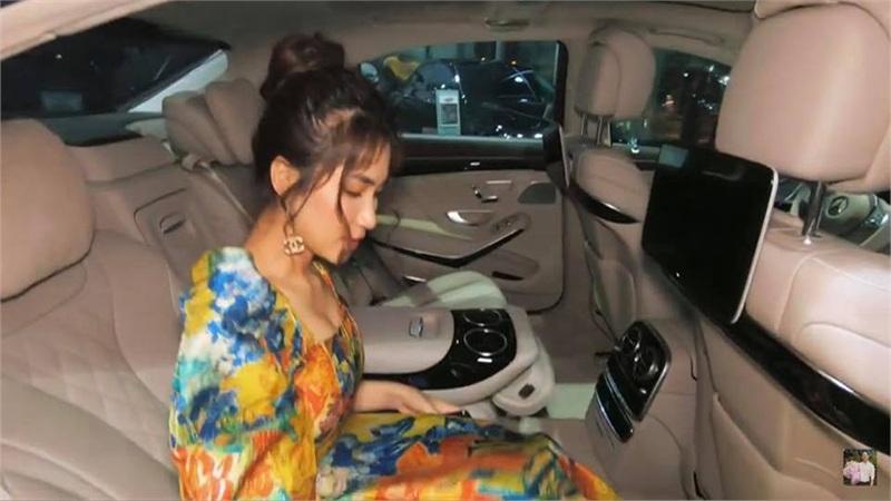 Giàu có là thế nhưng hóa ra Hòa Minzy chưa mua xe riêng, lần đầu mua xe phải lên mạng 'trưng cầu dân ý'