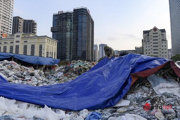 Rác của khu vực quận Cầu Giấy sẽ phân luồng về ô chôn lấp thuộc Khu xử lý chất thải Xuân Sơn.