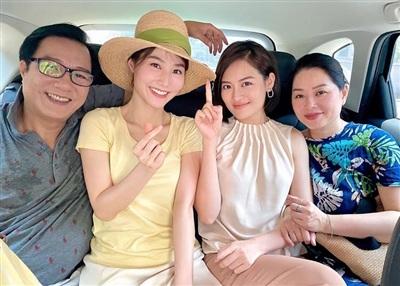 Diễn viên Thùy Anh đăng ảnh hậu trường vui vẻ của gia đình trong phim 'Tình yêu và tham vọng'.