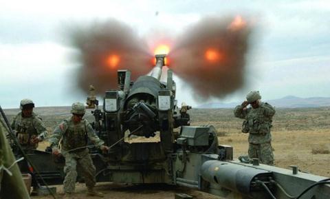 Pháo binh Mỹ khai hỏa.