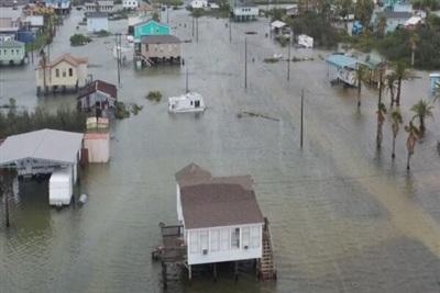 Vùng Galveston, Texas bị lũ lụt. Ảnh: Twitter