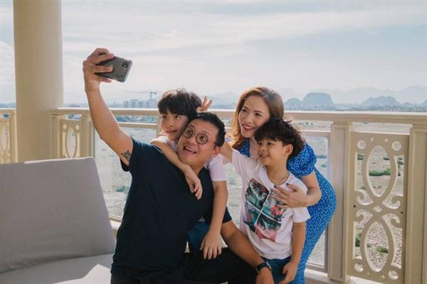 Gia đình hạnh phúc của Đan Lê - Khải Anh.