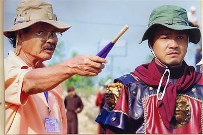 NSND Lý Huỳnh và con trai Lý Hùng khi làm phim Tây Sơn hào kiệt.