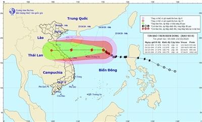 Bão số 8 mạnh cấp 12, gió giật cấp 15 hướng thẳng vào Trung Trung Bộ. (